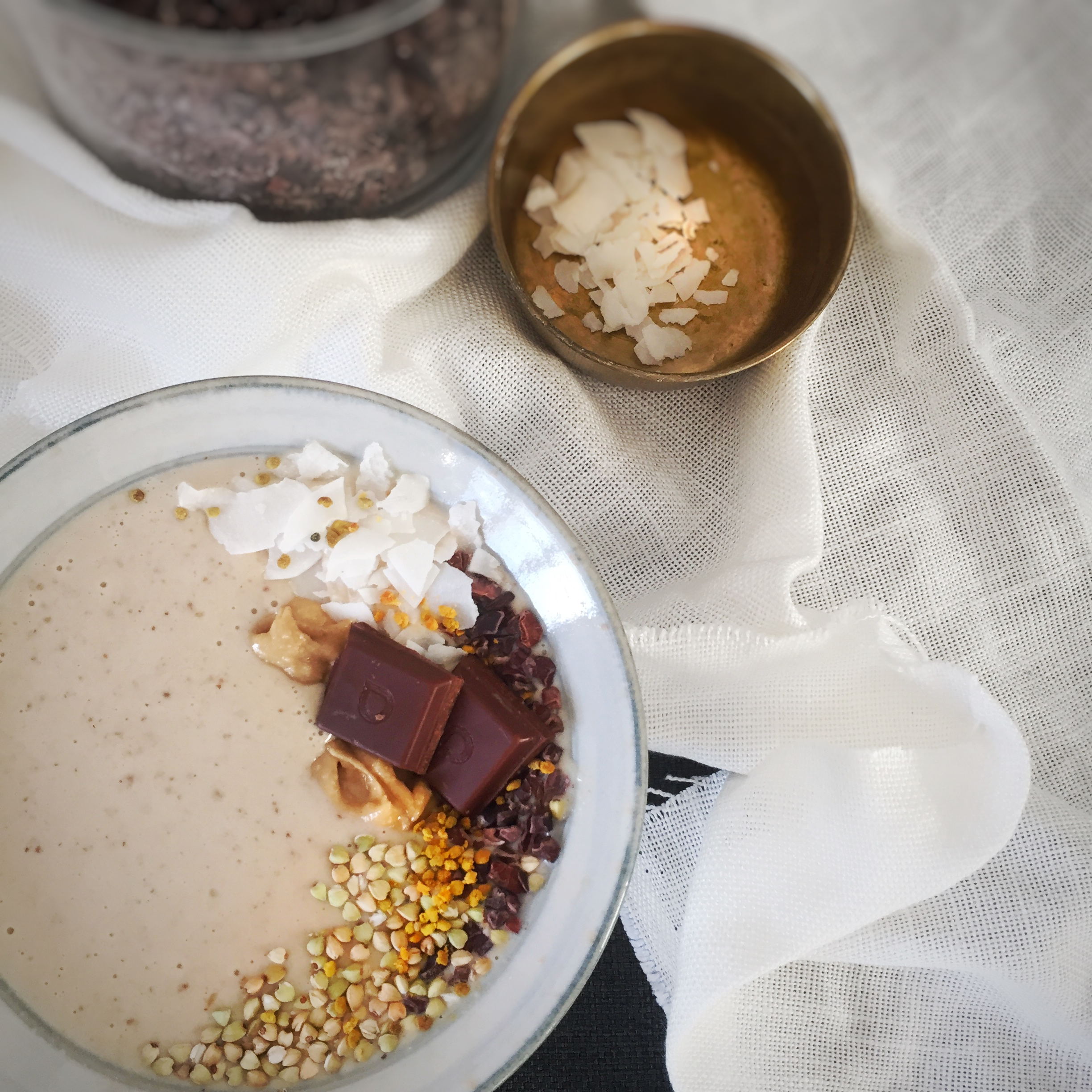 Salted Caramel and Choc Smoothie bowl